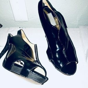 Badgley mischka black heels size 8